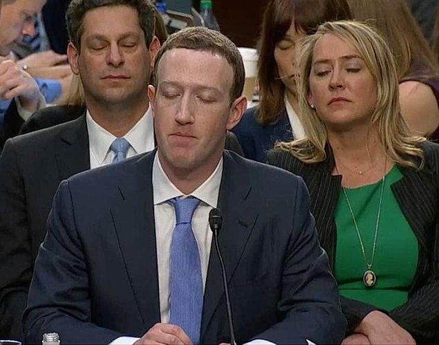 22. Evet, gözlerinizi kapatıp derin bir nefes almanızı istiyorum. Şimdi Facebook şifrelerinizi hatırlayın...