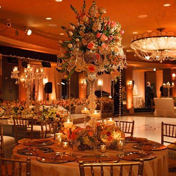 Düğün salonunda yaparım.