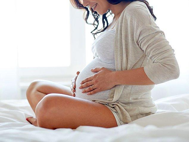 """15. Hamileyken yeniden hamile kalabilirsiniz. Buna """"süperfetasyon"""" denir."""