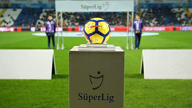 Galatasaray, Fenerbahçe ve Başakşehir'in maçları Cumartesi günü aynı saatte 19.00'da oynanacak.