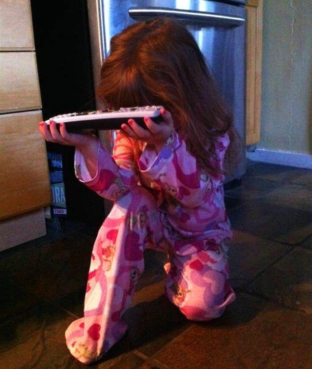 """24. """"Sabahları çocuklarım çizgi film izlemek için böyle izin alıyor."""""""