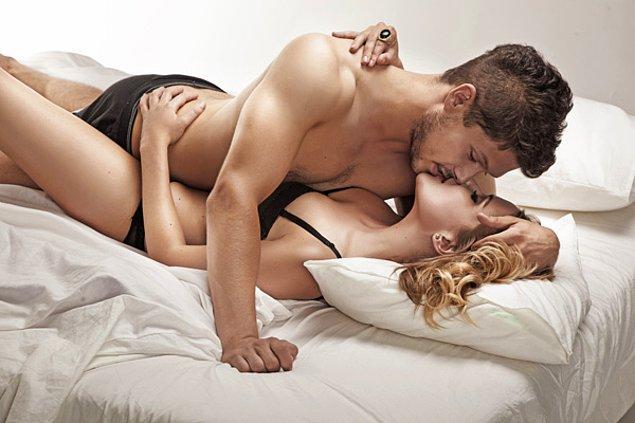 Ortalama olarak, bir erkeğin cinsel ilişki sırasında boşalması yaklaşık beş buçuk dakika sürer.