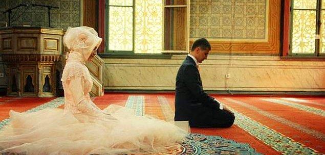 14. Hz. Muhammed'in ilk eşinin adı nedir?