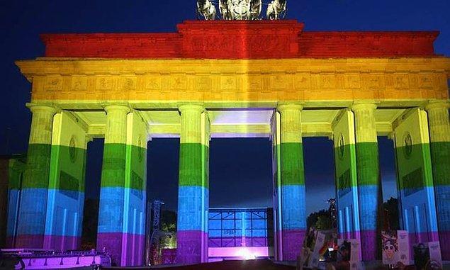 25. Berlin, Almanya - 2.482 $