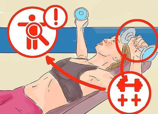 Temizleme yöntemleri arasında, zorla kusma, aşırı müshil kullanımı veya uzun süreli egzersiz süreleri bulunur.