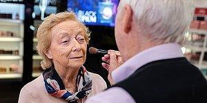 Вот какой должна быть настоящая любовь: 84-летний муж научился накладывать макияж своей жене, прежде чем она ослепнет