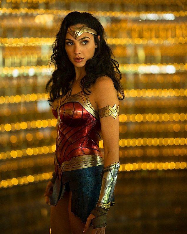 8. Wonder Woman 2 filminden ilk set fotoğrafları ve kareler gelmeye başladı.