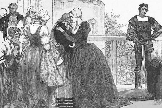 10. Anne, bir zamanlar gerçek aşkından ayrılmaya zorlanmıştı. İngiltere'nin en güçlü hanelerinden birine mensup olan Henry Percy ile nişanlı olan Anne, babasının düşük rütbeli oluşu yüzünden Percy'i bırakmak zorunda kaldı.