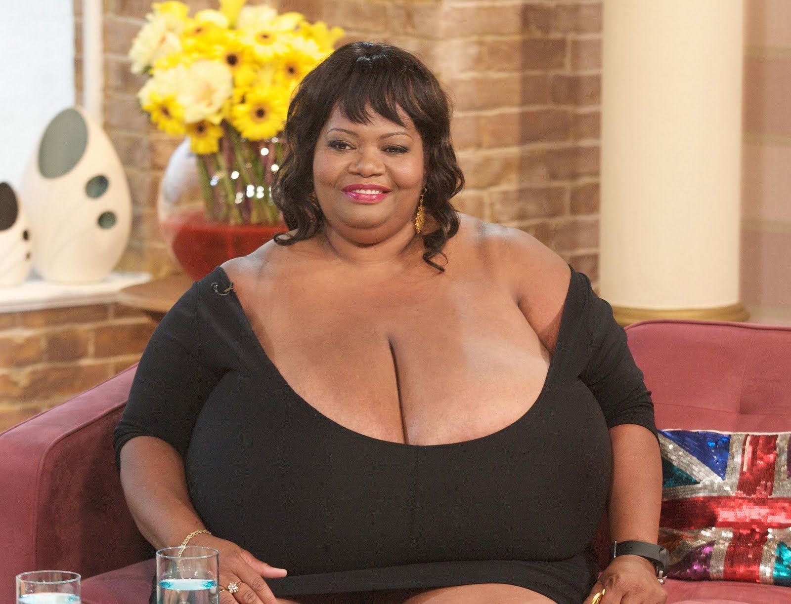 Самая большая грудь в попа, Большие сиськи, большая грудь и дойки смотреть 16 фотография