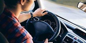 Мужчина запрыгнул в движущуюся машину, чтобы спасти водителя, у которого начался эпилептический припадок
