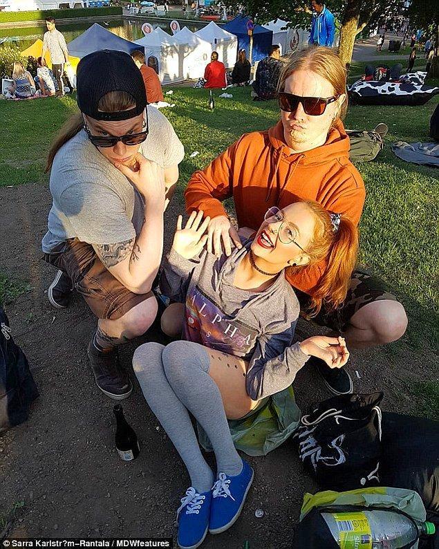 32 yaşındaki Finlandiyalı Sarra-Maria Karlström-Rantala ve 34 yaşındaki Ville bir rock barda tanıştıkları zamandan bu yana 11 yıldır beraberlerdi.
