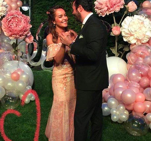 Bengü, 1 yıldır birlikte olduğu sevgilisi Selim Selimoğlu ile geçtiğimiz mayıs ayında nişanlanmıştı...