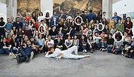 «Будто кто-то перепутал цвета»: Французский университет перекрасил белокожих студентов в черных для промо-фото