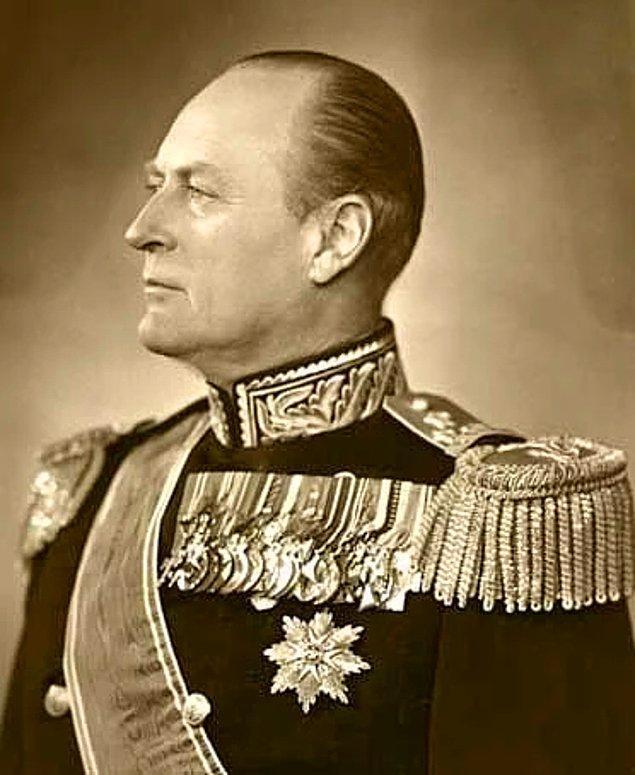 Norveç kralı V. Olav, toplu taşımayı kullanır ve bilet parasını cebinden öderdi.