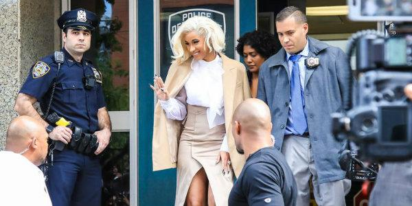 Bronx Cardi B: Straight Outta Bronx! Cardi B Went Savage Mode And Got