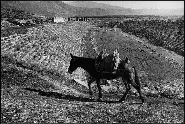 İşte usta fotoğraf sanatçısının Afrodisias'ı keşfi sırasında çektiği fotoğrafları...