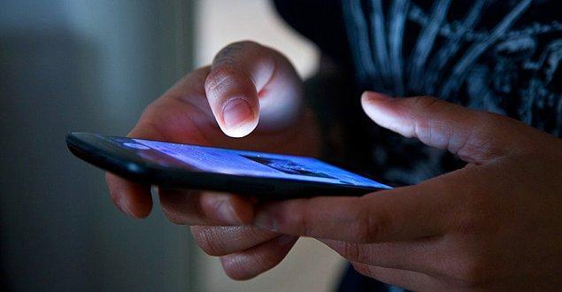 Yakın gelecekte cep telefonu ya da diğer elektronik aletlere 'farkında olmadan' gelecek güncellemelerle bilişsel aktivitelerin izlenebilmesi fikri endişe verici.