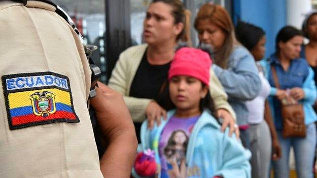 Venezuela'da 2 milyondan fazla kişinin göç etmek zorunda kaldığı tahmin ediliyor.