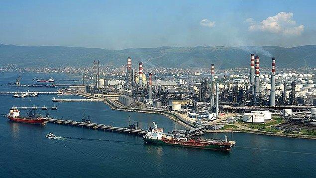 Bugün itibariyle hayata geçen ikinci yaptırım paketi çerçevesinde ülkenin liman işletmecileri, tersaneleri ve deniz taşımacılığı sektörü ambargo kapsamına alınıdı.