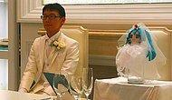 35-летний японец женился на голограмме — виртуальной певице Мику Хацунэ