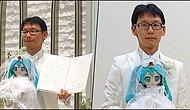 Unconditional Love! A Japanese Man Married Famous Virtual Singer Hatsune Miku!