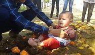 В Индии плачущих детей кладут в коровий навоз — все ради традиций