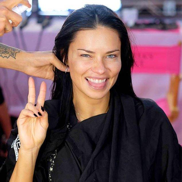 Unutmadan ekleyelim, bu yıl Victoria's Secret'ın baş meleği Adriana Lima emekli olmuştu.