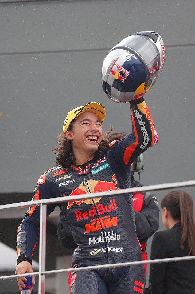 Can ayrıca, 1991'deki Japonya yarışını kazanan Japon Noburu Ueda'dan bu yana, katıldığı ilk mücadelede birinci olan ilk pilot oldu.