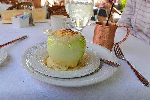 25. Soğan içinde ikram edilen çorba.