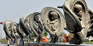 14 гигантских скульптур о развитии зародыша в утробе были установлены в Катаре