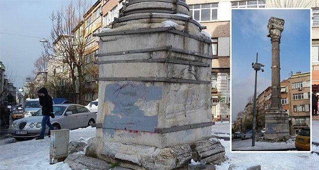 Türkiye'nin Unesco Dünya Kültür Mirası Listesi'nde yer alan tarihi cami tahtaya dönmüş durumda.