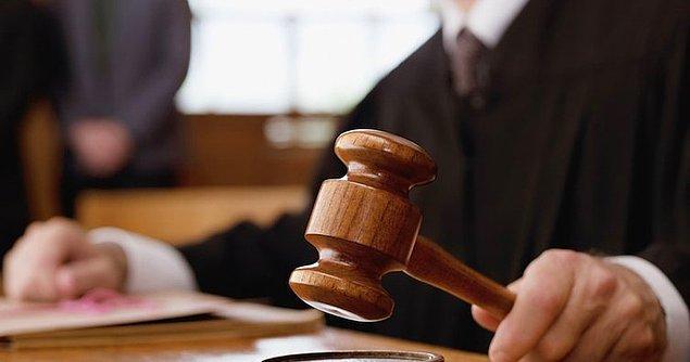 """Fakat en acısı da mahkeme sürecinde hakimin Songül'den tecavüze uğradığını ispatlamasını istemesi oldu. Defalarca Adli Tıp'a bekaret testi için gittiğinde eline """"bakire"""" raporunu verip gönderdiler."""