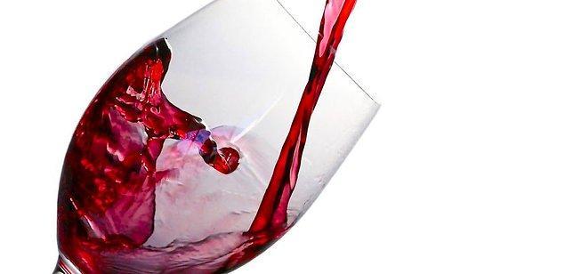 9. Yarım dönümlük bir araziden yaklaşık 4000 şişe şarap elde edilir.