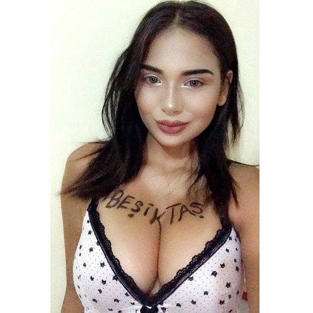Sosyal medyayı takip edenler bilirler, Merve Taşkın isimli hanım bir sosyal medya fenomenidir. Özellikle yapmış olduğu paylaşımlar ile adından epeyce söz ettirir.
