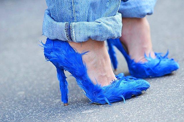 13. Tüylü ayakkabılar.