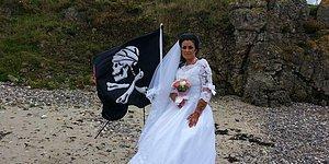 Женщина, считающая себя женой 300-летнего пирата-призрака, заявила, что разводится с ним