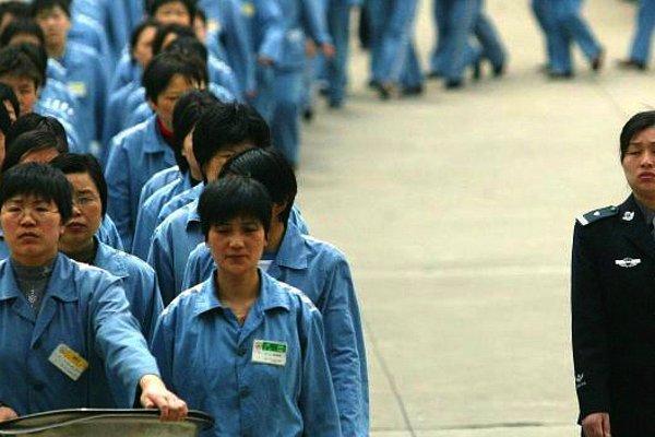 Заплати деньги - попади в тюрьму: Зачем корейцам такого рода заключение?