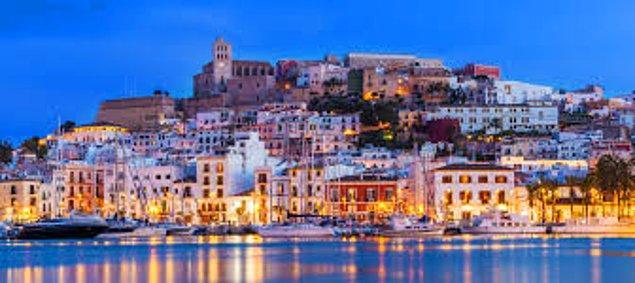 5. İbiza, İspanya