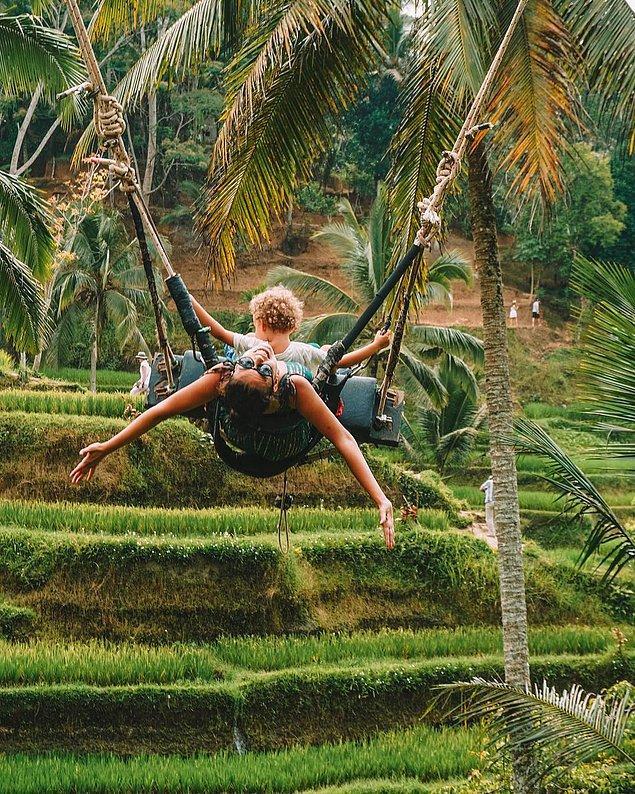 4. Oğlu Ada ile dünyayı gezen ve çocukla seyahat etmenin hiç de zor olmadığını kanıtlayan Deniz