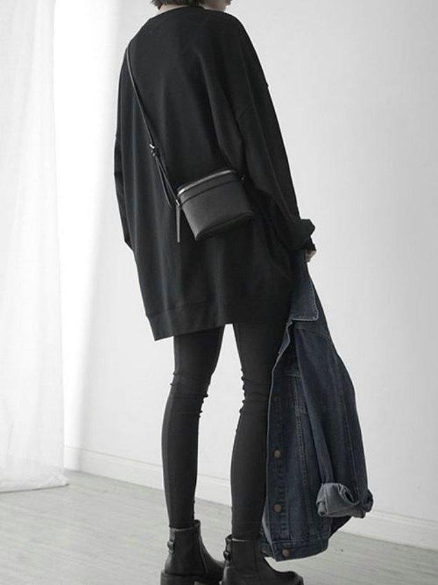 6. Siyah sweatshirt'süz bir dolap düşünemiyoruz bile.