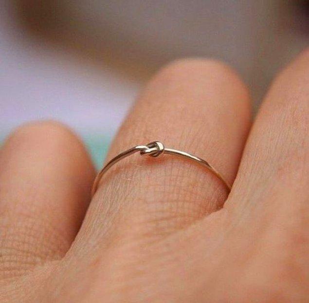10. Minicik bir düğümle bağlılık ifadesi