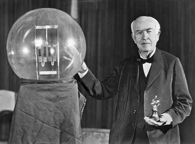 1878 - Edison, Edison Electric Light Co adlı şirketi kurdu.