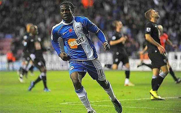2008-09 ve 2009-10 sezonlarında Crystal Palace ile Championship'te top koşturan Moses, 2010'un Ocak ayında o dönem Premier Lig'de mücadele eden Wigan'a transfer oldu. Başlarda santrafor bölgesinde de oynayan Moses, zamanla tamamen bir kanat oyuncusuna dönüştü.