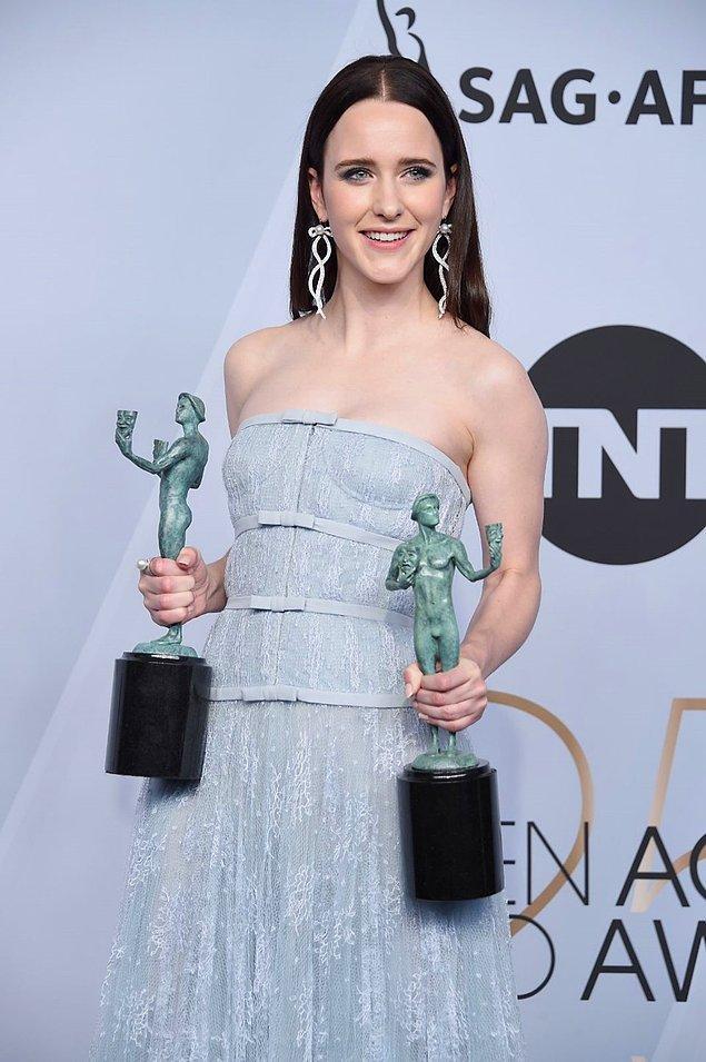 """En İyi Kadın Oyuncu (TV - Komedi): Rachel Brosnahan, """"The Marvelous Mrs. Maisel"""""""