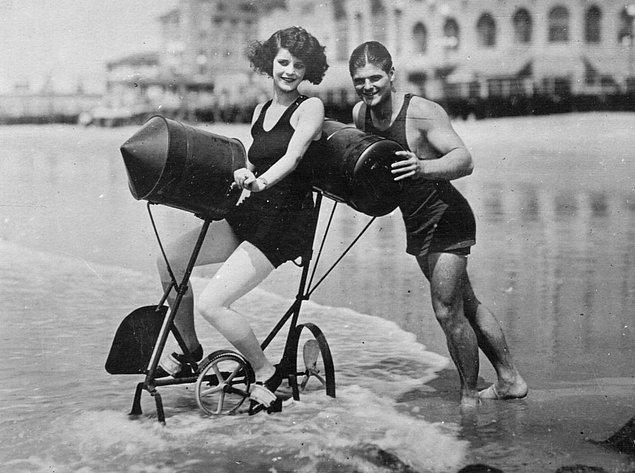 4. Su bisikleti (1923)