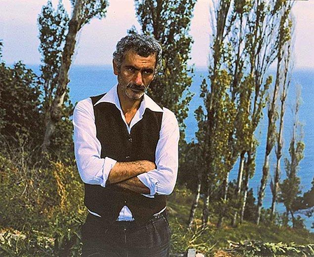 Yılmaz Güney, 9 Ekim 1981 günü Isparta Yarı Açık Cezaevi'nden izinli olarak çıktı, kısa bir süre sonra Fransa'ya kaçtığı öğrenildi ve bir daha asla geri dönemedi.