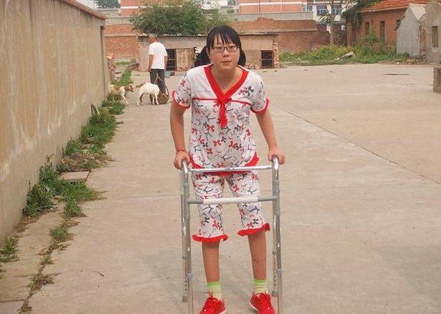 """Kadının annesi, yatağının başında beklerken defalarca Jiafeng'e artık """"yeni bir kız arkadaş"""" bulması gerektiğini söylemiş."""