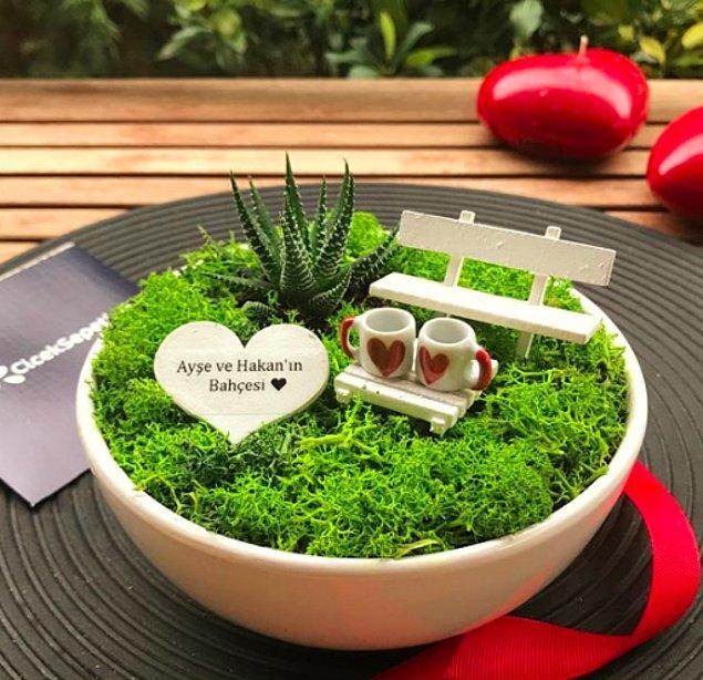 3. Sevgilinizle hayal kurmak çok zevkli değil mi? Hayallerinizi gerçekleştirmeden önce ufak bir minyatürünü hediye etmek nasıl olurdu?