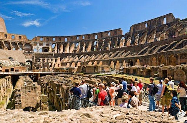 14. Kolezyum gibi ünlü turist çeken bölgeler ise yoğunluk ve bakımsızlıktan dolayı benzer risklerle karşı karşıya kalıyor!