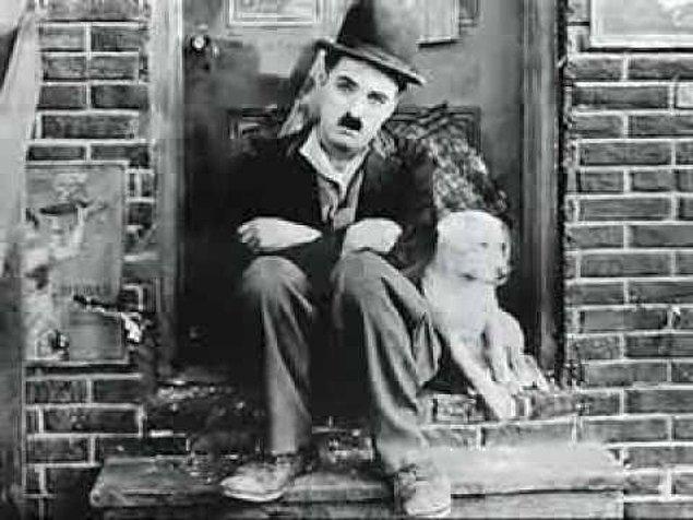 "1914: Charlie Chaplin'in ilk filmi, ""The Little Tramp"" gösterime girdi."